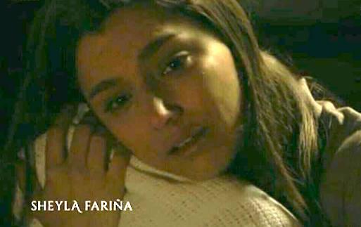 Manuela disperata dopo la morte di Inocencia