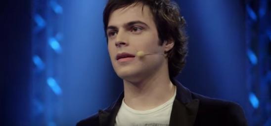 Guglielmo Scilla interpreta Elio Sorrentino in BACIATO DAL SOLE