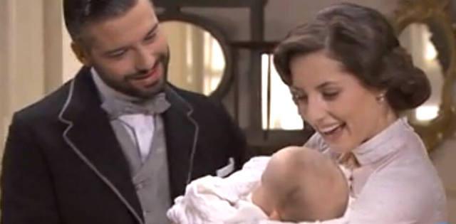 Felipe e Celia con la piccola Inocencia - Una vita anticipazioni