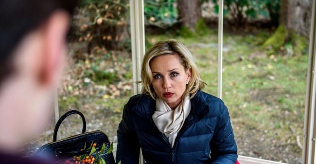 Tempesta d'amore: Beatrice si difende dalle accuse (ARD/Christof Arnold)