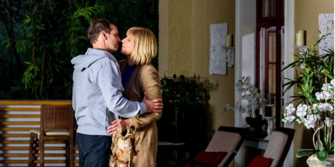 Tempesta d'amore: Nils bacia Charlotte © ARD/Christof Arnold