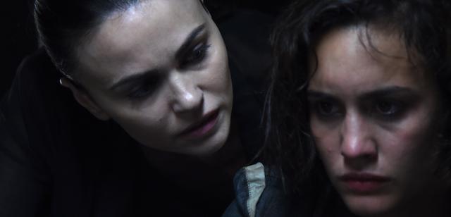 Romina Mondello e Megan Montaner - Fuoco amico
