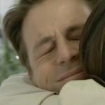 Il padre di Irene è Filippo, che abbraccia felice Serena - Un posto al sole