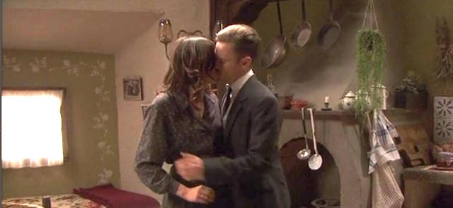 Genaro bacia Mariana - Il segreto