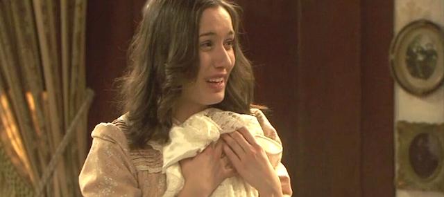 Aurora con l'abito nuziale di Pepa - Il segreto anticipazioni