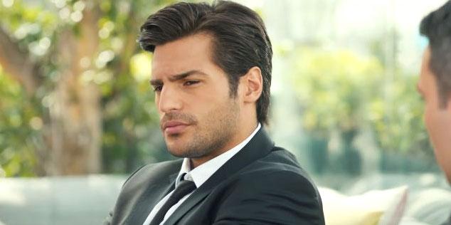 Ayaz Dincer (Serkan Cayoglu) di Cherry Season la stagione del cuore