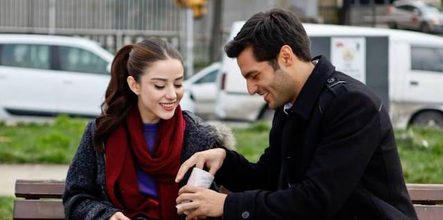 Ayaz e Oyku della telenovela Cherry Season (trame)