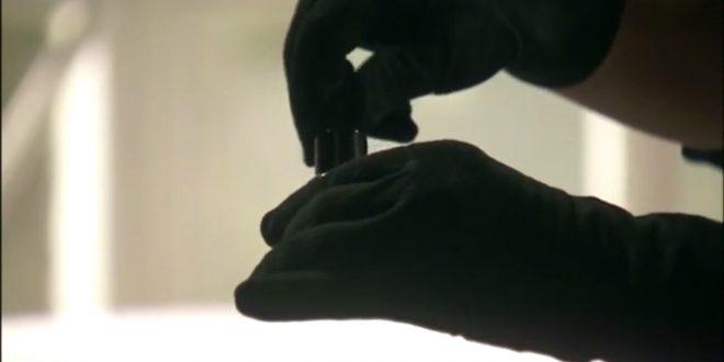 La mano misteriosa che manomette i medicinali di Lucas - Il segreto