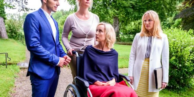 Beatrice, Adrian e Desiree, Tempesta d'amore © ARD/Christof Arnold