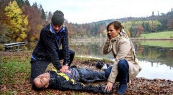 William salva la vita ad Adrian, Tempesta d'amore © ARD Christof Arnold