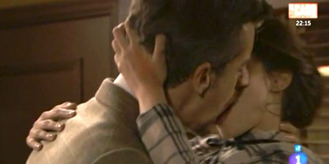 Bacio tra MAURO e TERESA, Una vita