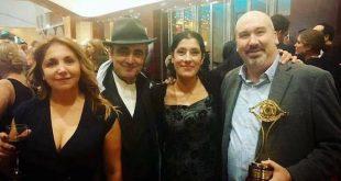 Miquel Peidro Zaragoza con Aurora Guerra e due attori di Una vita
