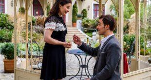 Adrian chiede a Clara di sposarlo, Tempesta d'amore © ARD Christof Arnold