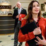Tempesta d'amore, anticipazioni puntate tedesche: una grande offerta di lavoro per Clara! Ma c'è un prezzo…