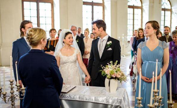 Matrimonio Un Posto Al Sole : Matrimonio adrian e clara tempesta d amore ard
