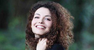 VALERIA FLORE - Francesca Savarese di Un posto al sole (foto dal sito CDA - Studio Di Nardo)