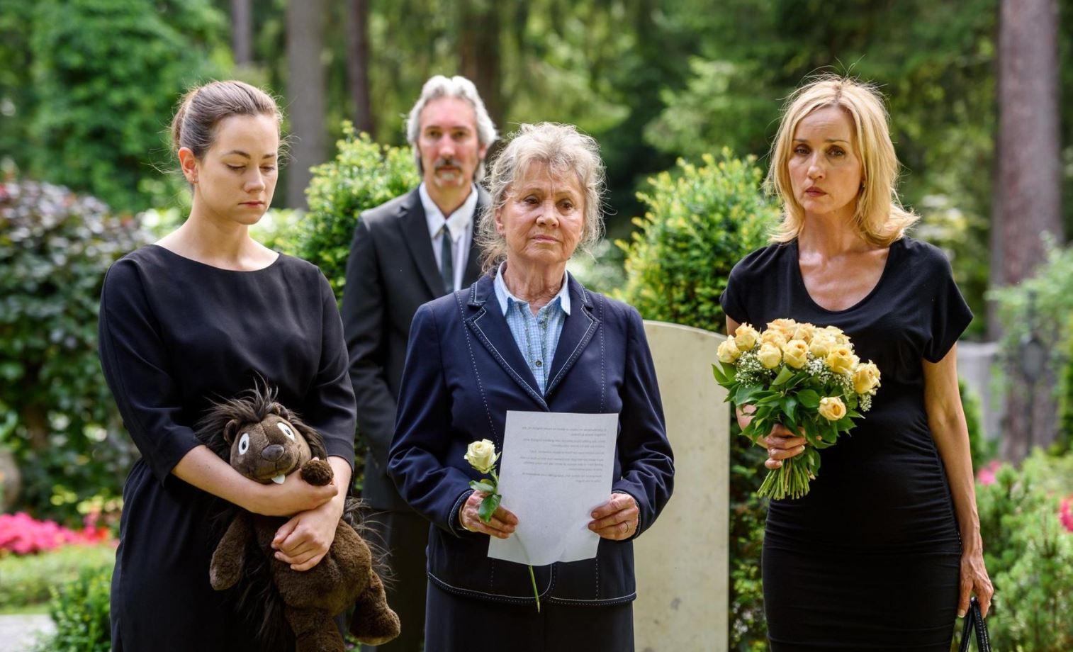 Tempesta d'amore, anticipazioni puntate tedesche: Tina scopre che Beatrice ha rapito suo figlio! E la Hofer…