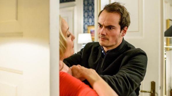 David tenta di uccidere Beatrice, Tempesta d'amore © ARD/Christof Arnold