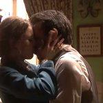 Il segreto anticipazioni: ADELA dichiara il suo amore a CARMELO e resta a Puente Viejo
