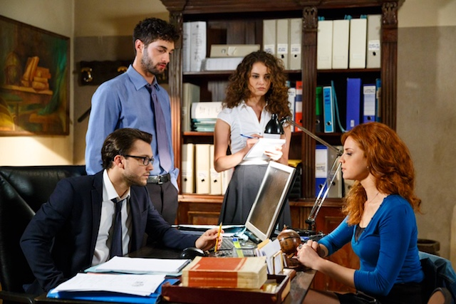 Anita Falco con Ugo, Niko e Susanna / Un posto al sole