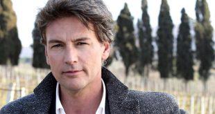 Roberto Farnesi (Alessandro)
