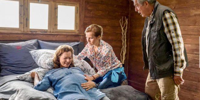 Melli e Andrè aiutano Tina a partorire, Tempesta d'amore © ARD/Christof Arnold