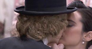 ELVIRA e MARIA LUISA, il bacio! | Una vita