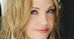L'attrice Adrienne Frantz (Amber Moore a Beautiful)