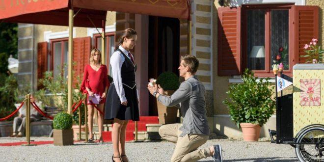 Paul chiede a Romy di sposarlo, Tempesta d'amore © ARD Christof Arnold