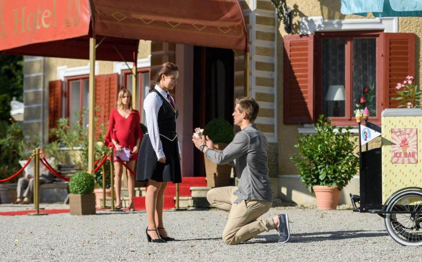 Tempesta d'amore, anticipazioni tedesche: Paul chiede a Romy di sposarlo ma…