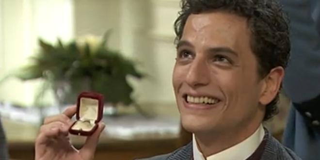 ANTONITO e l'anello di fidanzamento / Una vita