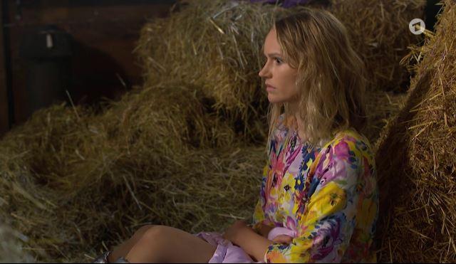 Tempesta d'amore |  anticipazioni italiane |  Jessica partorisce e abbandona sua figlia Luna!