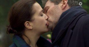 Eva e Christoph si baciano, Tempesta d'amore (Screenshot)