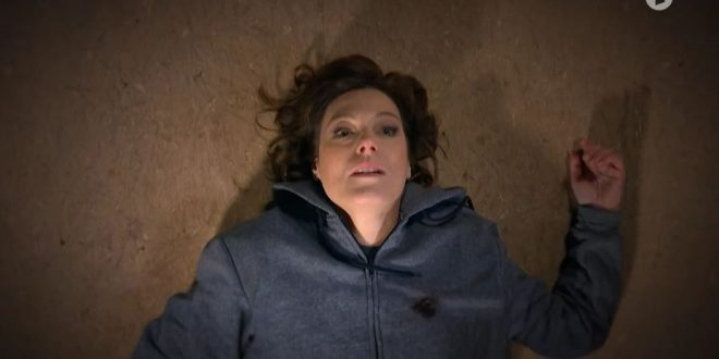 Xenia Saalfed muore, Tempesta d'amore (screenshot)