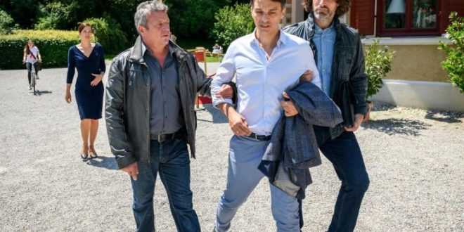 Robert viene arrestato, Tempesta d'amore © ARD Christof Arnold