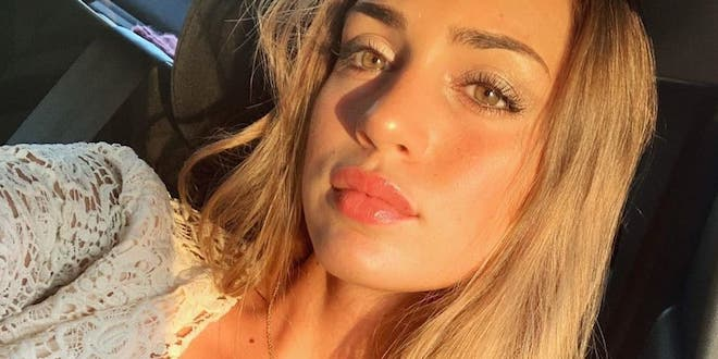 SARA TOZZI tronista di Uomini e donne / Foto da Instagram