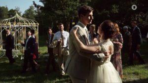 Paul e Romy ballano al loro matrimonio, Tempesta d'amore © ARD (Screenshot)
