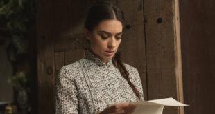 ELSA legge la lettera di ALVARO / Il segreto (copyright foto: ATRESMEDIA CORPORACION DE MEDIOS DE COMUNICACION S.A.)