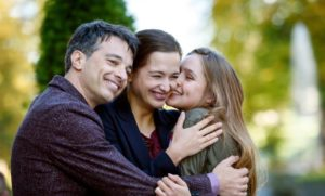 Robert, Eva e Valentina, Tempesta d'amore © ARD Christof Arnold