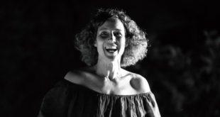 ELENA VANNI è Delia Caracciolo Leone a Un posto al sole / Foto da Facebook