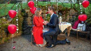 Henry chiede a Jessica di sposarlo, Tempesta d'amore © ARD Christof Arnold