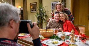 Walter festeggia il natale insieme ad Andre, Michael e Natascha, Tempesta d'amore © ARD Christof Arnold