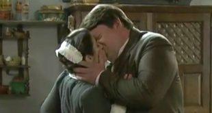Il bacio tra Casilda e Ceferino / Una vita