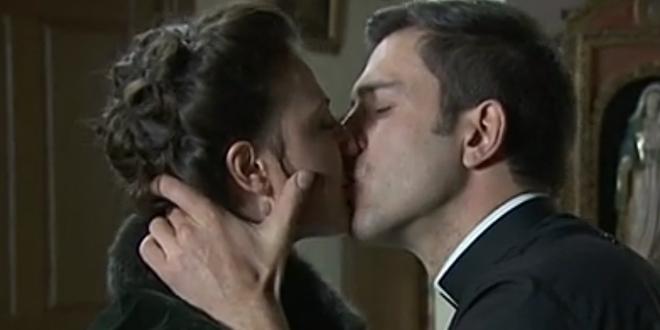TELMO e LUCIA, il bacio! / Una vita