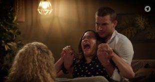 Eva partorisce con l'aiuto di Tim e Franzi, Tempesta d'amore © ARD (Screenshot)