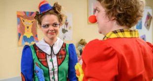 Lucy e Bela vestiti da clown, Tempesta d'amore © ARD Christof Arnold