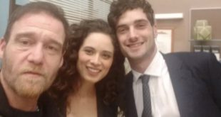 GENNARO (Walter Lippa), SUSANNA (Agnese Lorenzini) e NIKO (Luca Turco) di Un posto al sole