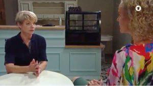 Linda si confida con Natascha, Tempesta d'amore © ARD (Screenshot)