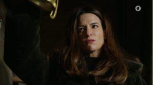Nadja cerca di uccidere Dirk, Tempesta d'amore © ARD (Screenshot)