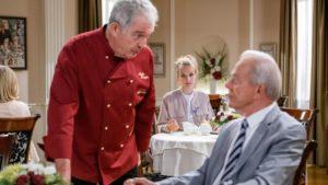 Andre rivela a Werner di aver preparato lui stesso la torta del cafè di Linda, Tempesta d'amore © ARD Christof Arnold